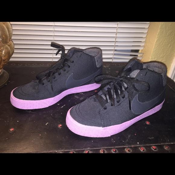 quality design d9fc4 21ef3 Womens Nike Blazer Mid, Size 9 - Black, Purple. M 5a71092f3a112e9f47e4e8ae
